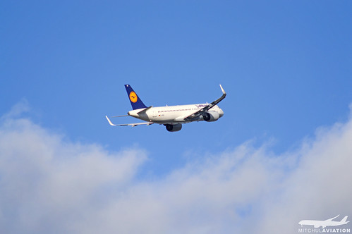 Lufthansa – D-AINE   by mitchulhope