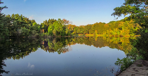 smack53 water lake melodylake palpond westmilford newjersey trees reflections pond scenic scenery outdoors outside autumn autumnseason canon powershot sx150is canonpowershotsx150is panorama view