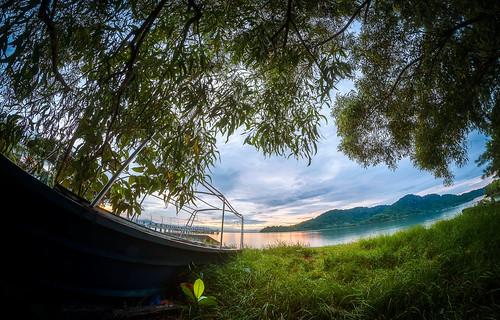 ahweilungwei fisheye georgetown georgetownpenang landscape malaysia nikon nikond750 penang penangisland pulaupinang samyang samyang12mmf28edasncsfisheye samyang12mmf28 sunrise sunrises tree jerejakjetty pulaujerejakjetty boats hulk abandonedboat bayanlepas my