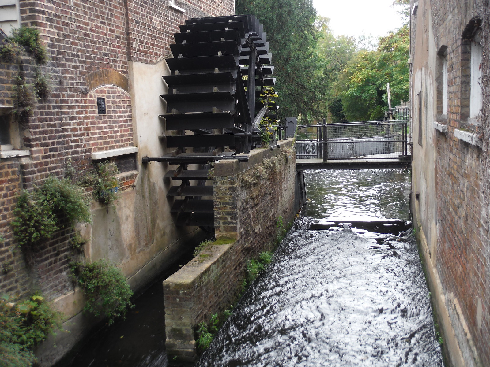 Waterwheel on River Wandle, Snuff Mill Morden Hall Park SWC Walk Short 13 - Morden Hall Park and Merton Abbey Mills