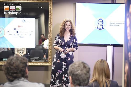 Natalia Zapatero presentando #realidadvirtual en Turistopía   by Turiskopio