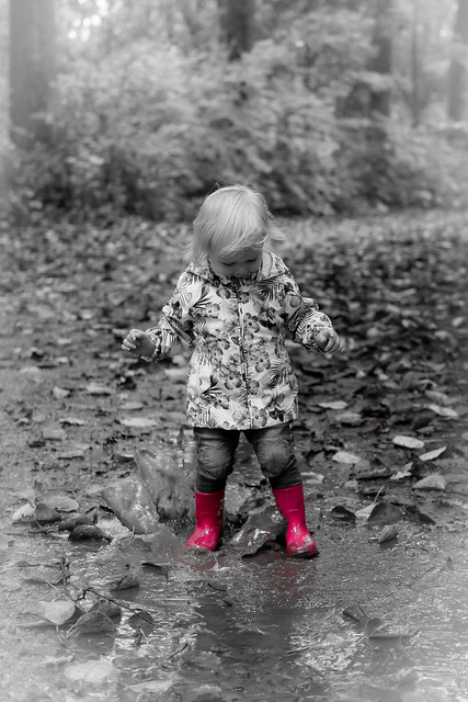 Sara and her little pink jackboots
