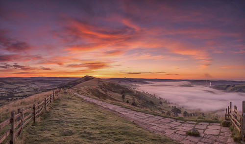 mamtor thegreatridge hopevalley castleton derbyshire peakdistrict edale england greatbritain uk dawn sunrise panoramic pano stitched cementworks flagged pathway landscapephotography landscapes viewpoints corner winhill losehill mist misty inversion phenomenon weather highpeak