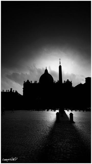 sotto l'ombra di San Pietro, under the shadow of St. Peter