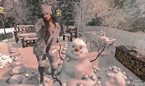 Lets Build a Snowman | by Hopathia Shinobu