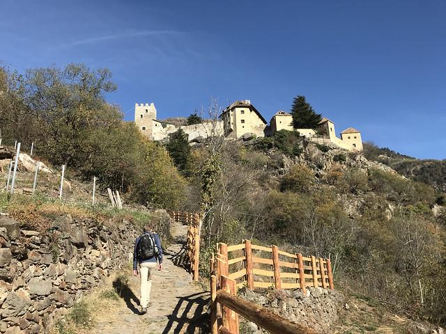 2017-10-27 11-01 Südtirol 177 Schnalstal, Schloss Juval