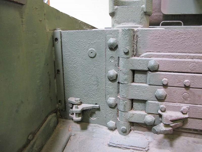 Churchill Mk VI 6