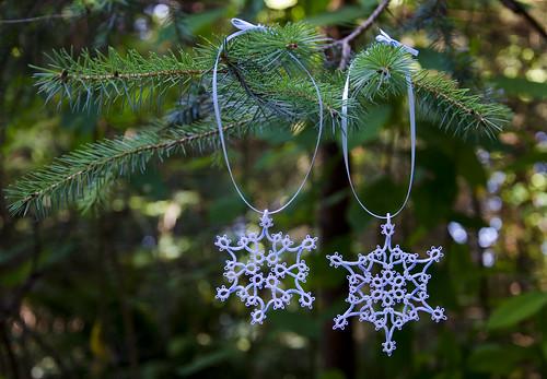 Tatted Snowflakes: Hannah & Helga
