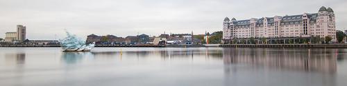 oslo norway norwegen norge longexposure autumn cloudy cloud city cityscape citycenter water reflection panorama panoramic bjørvika eniro