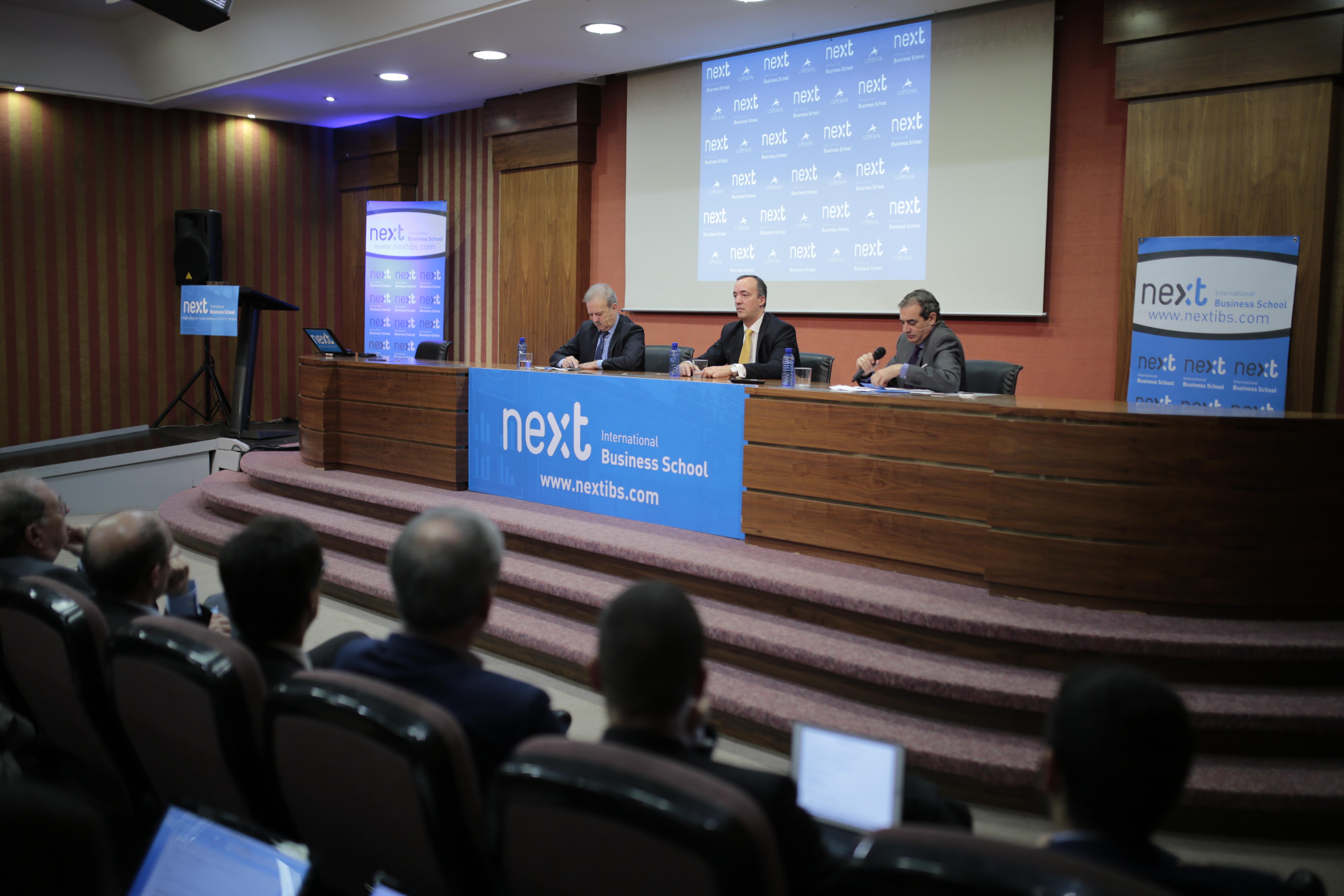 IX Foro Next IBS con Francisco Martínez Vázquez