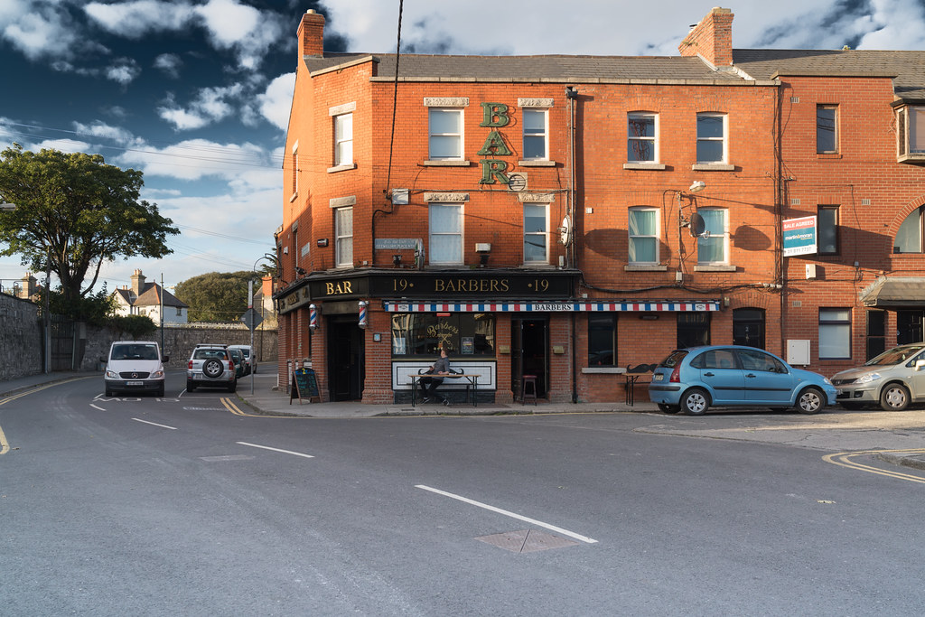 THE JUNCTION WHERE THE BARBERS PUB IS LOCATED [WAS THE GRANGE INN WHEN I PHOTOGRAPHED IT IN 2015]-133454