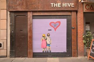 Romantic street art in Dublin (124STOUT_5681)