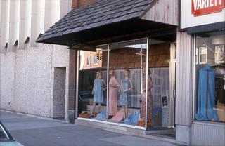 1970s - Gail Lynn dress store