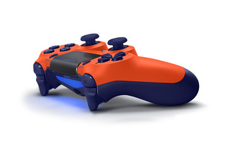 DUALSHOCK4_2_SunsetOrange_02 | by PlayStation Europe