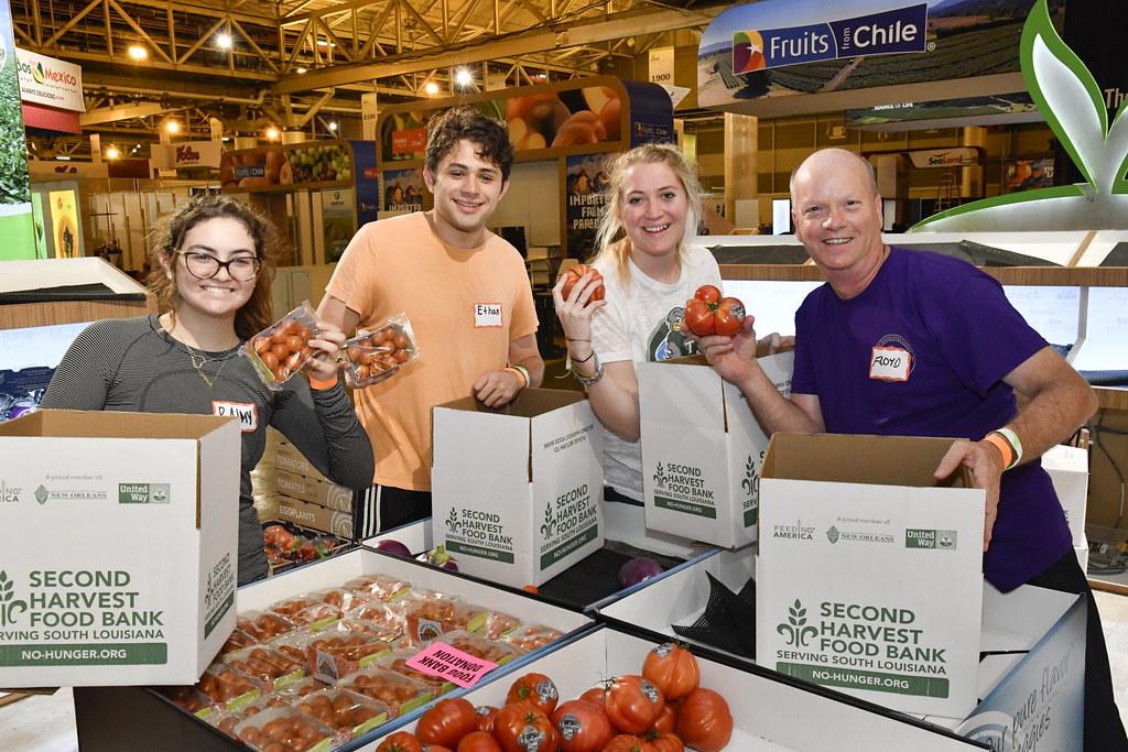 2017 Fresh Summit Food Bank Donation | Exhibiting companies … | Flickr