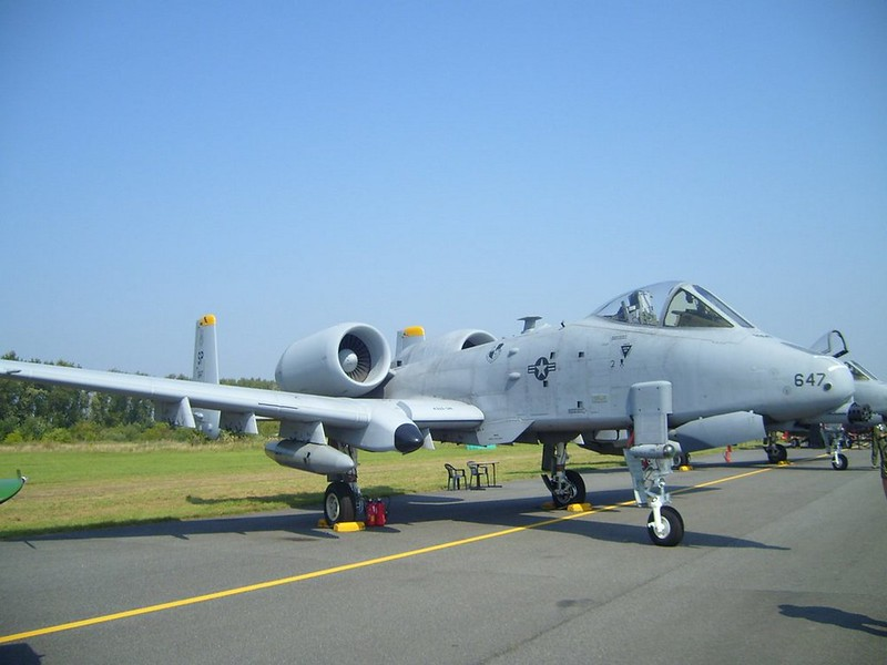 Fairchild Republic A-10 Thunderbolt II 3
