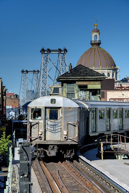 NYC Subway - Marcy Avenue Station - J Train - R-32 3718