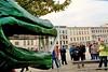 Ein Drache bewacht den Schweriner Pfaffenteich, Holzskulptur vom Bildhauer Nando Kallweit
