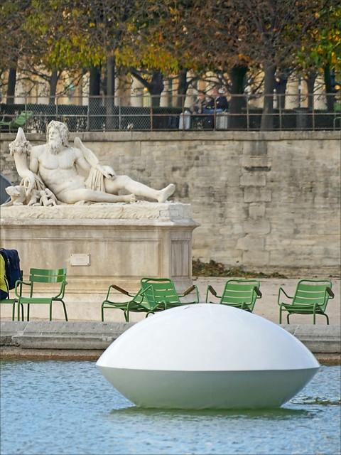Lentille d'eau (FIAC 2017, Paris)