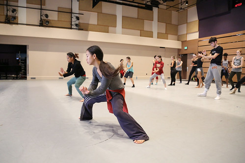 Akram Khan dancers Ching-Ying Chien and Joy Alpuerto Ritte leading master class with BFA students