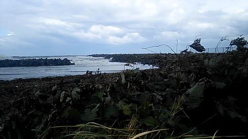 sharpaquos hokuriku ruraljapan 北陸 joetsu niigataken niigataprefecture naoetsu nihonkai japansea 田舎 stormsea typhoon22 typhoonsaola echigo breakwater port