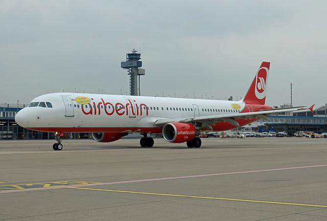 Niki Airbus A321-211 OE-LCD Mit Niki in den Urlaub