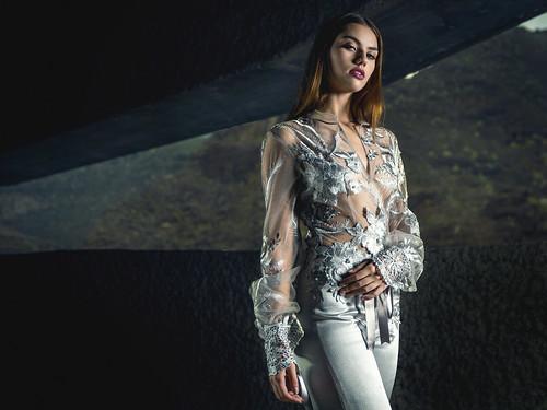 Modelo: Elizabeth Victoria Diseñador: Damián Rodríguez