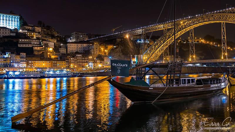 Light reflections under the Bridge