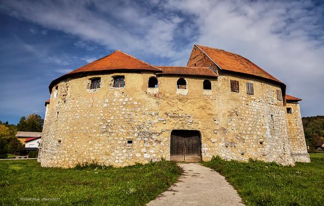 Utvrda-kaštel Ribnik (vaserburg)