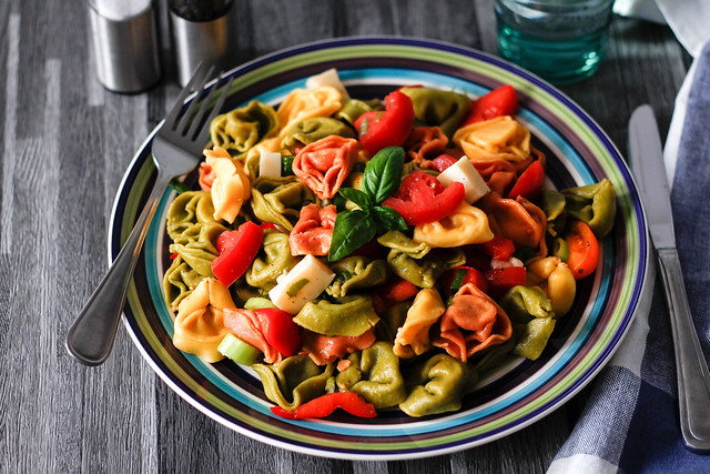 Coloful Tortellini Pasta with Tomatoes