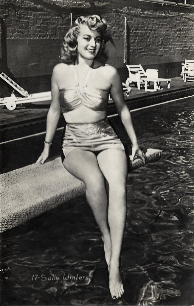 Shelley Winters Belgian Postcard No 17 Caption Sally