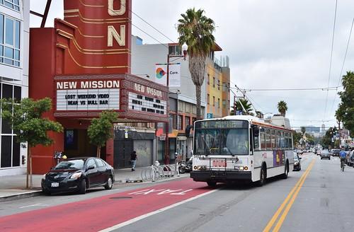 MUNI 5452 New Mission Theater - Mission Street 2500 Block  - San Francisco - September 13, 2017