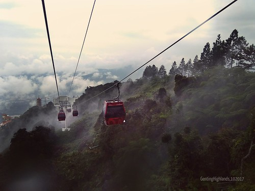gentinghighland genting highland highlands mist skyway awanaskyway pahang cityofentertainment cablecar car cable sky nature unlimitedphotos photos unlimited malaysia msia asia apac asean misty random scenes scenery hill flickr flickrcentral kualalumpur