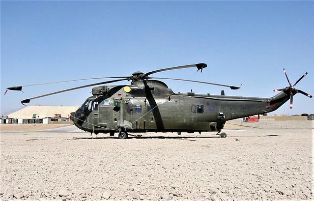 Sea-King HC-4 ZA296/Q 846Sq Royal-Navy. Tarin-Kowt, Uruzgan. Afghanistan. 16-03-2008.