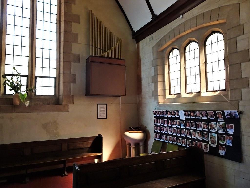 Blackwood  Small modern electronic pipe organ in the Angli
