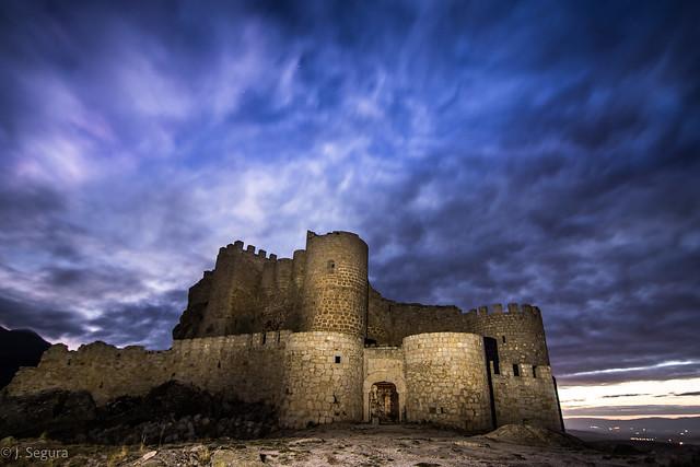 Castillo Aunqueospese (o Manqueospese) - Hora azul