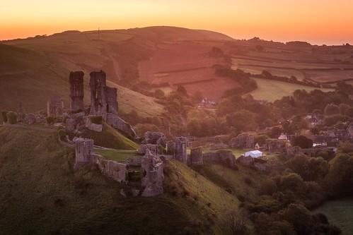 landscapes eos100d canon castles castle landscape sunrise dorset corfecastle england uk dawn sunrises sky hill history historic morning