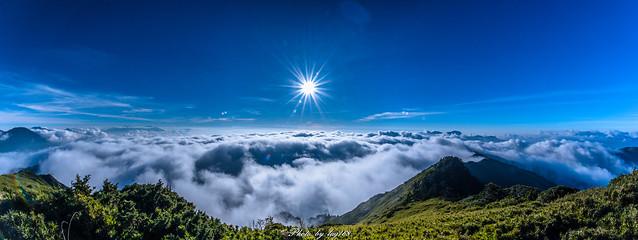 合歡山主峰雲海sea of clouds