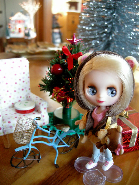 Happy Holidays from Cutest Cubs Littlest Pet Shop Blythe!