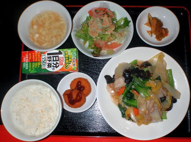 #1127 lunch: stir-fried pork and vegetables (豚肉と野菜炒め)