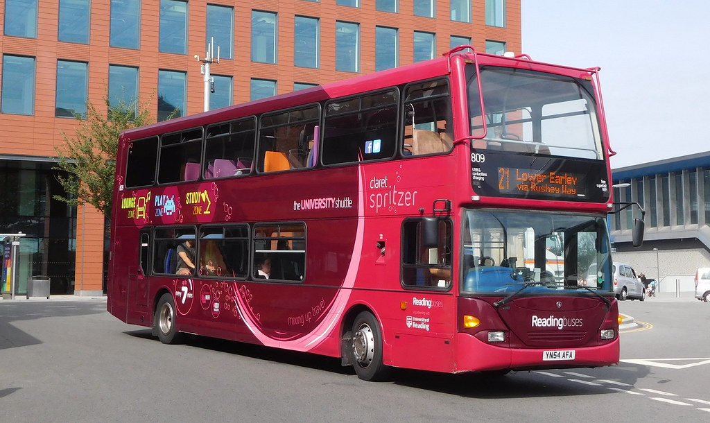 Reading Buses 809 - YN54AFA | Reading Buses are famous for h