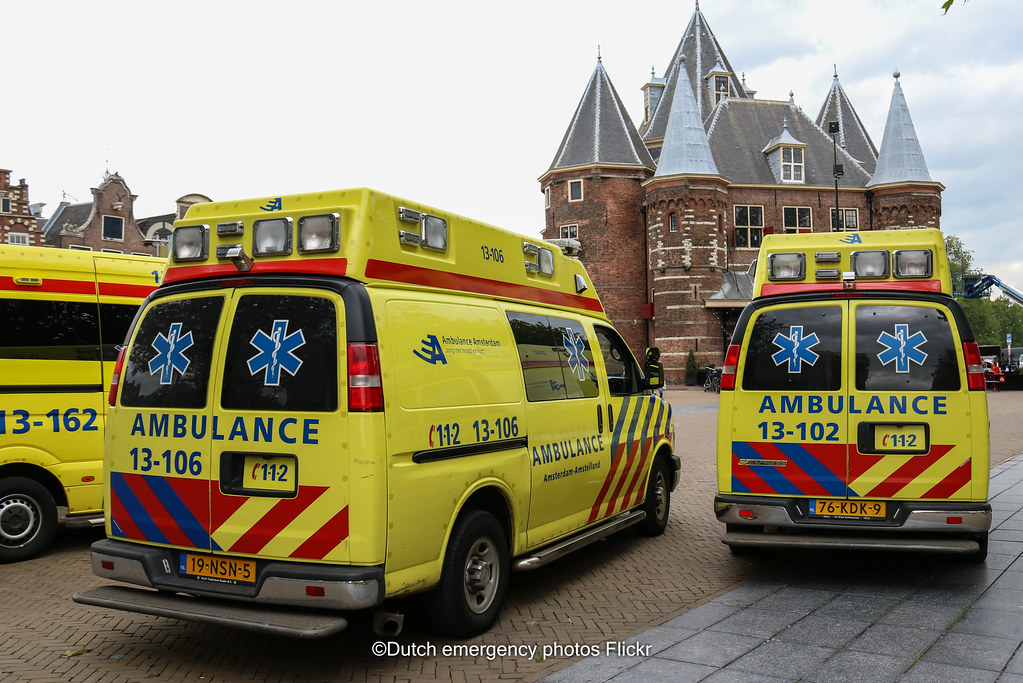 Dutch Ambulance Chevrolet Former Dutch Police Chevrolet S Flickr