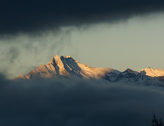 Soleil matinal sur les montagnes