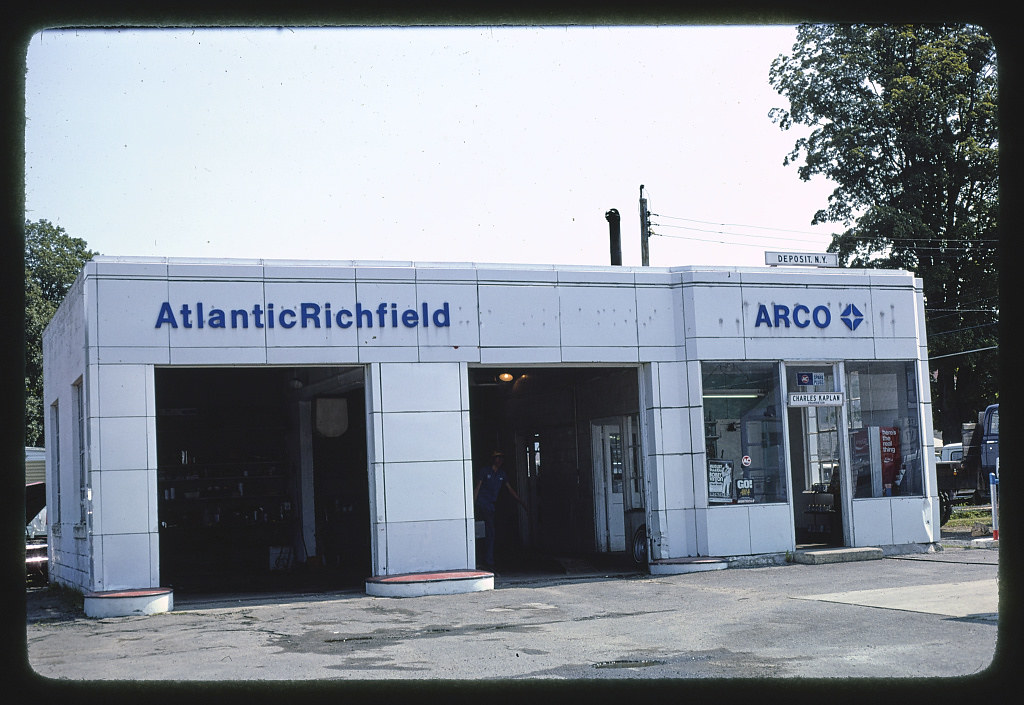Arco Gas Station >> Arco Gas Station Overall View Route 10 Deposit New Yor