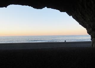 reynisfjara-cave   by quirkytravelguy
