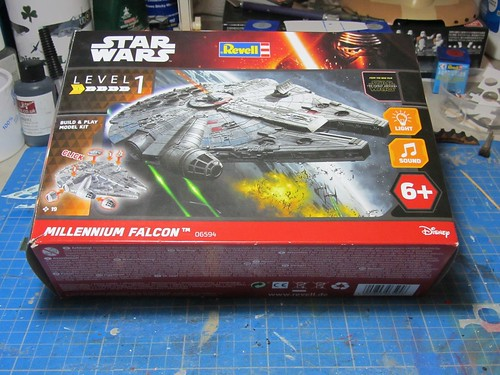 Revell_Millennium_Falcon_Build_Play_06954_box | by dermot.moriarty