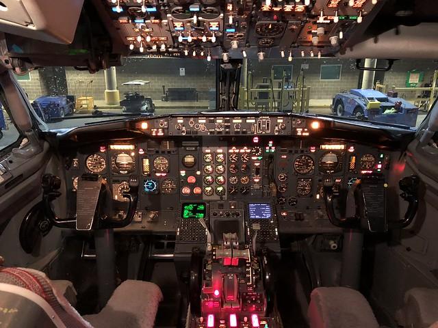 Southwest Airlines 737-300 Cockpit