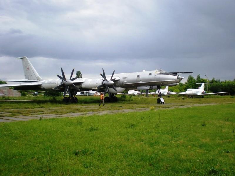 ツポレフ火-142M3 1
