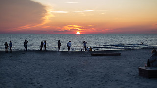 People at sunset IMG_9819 | by Nicola since 1972