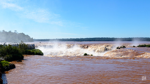 The violent rushing waters of Devil's Throat, Iguazú Falls | by Tom Chow | Photography